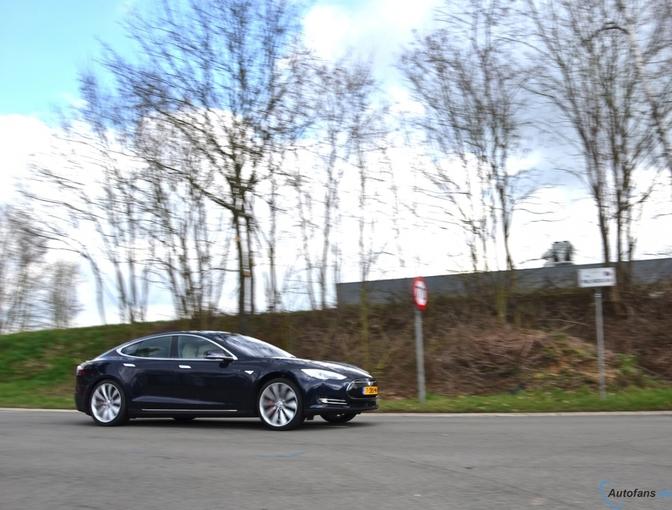 Rij-impressie: Tesla Model S P85D