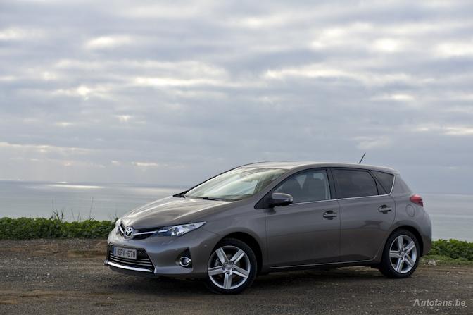 Toyota Auris 2013 rijtest