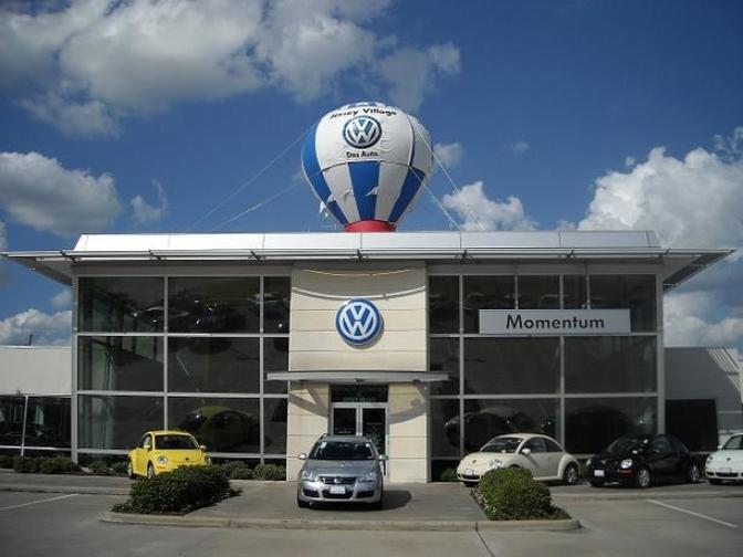volkswagen-dealer-momentum-jersey_0