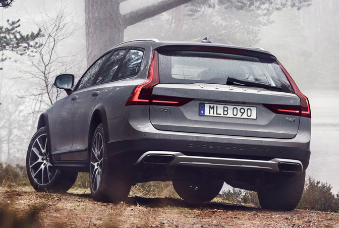 volvo-v90-cross-country-05
