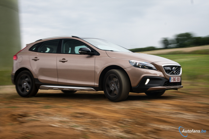 volvo_v40_crosscountry_d3_16