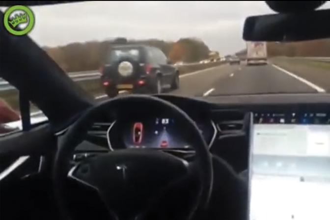 video-tesla-autopilot-nederlander_01