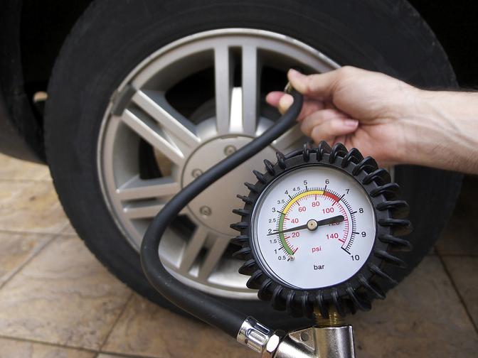 tire-pressure-check