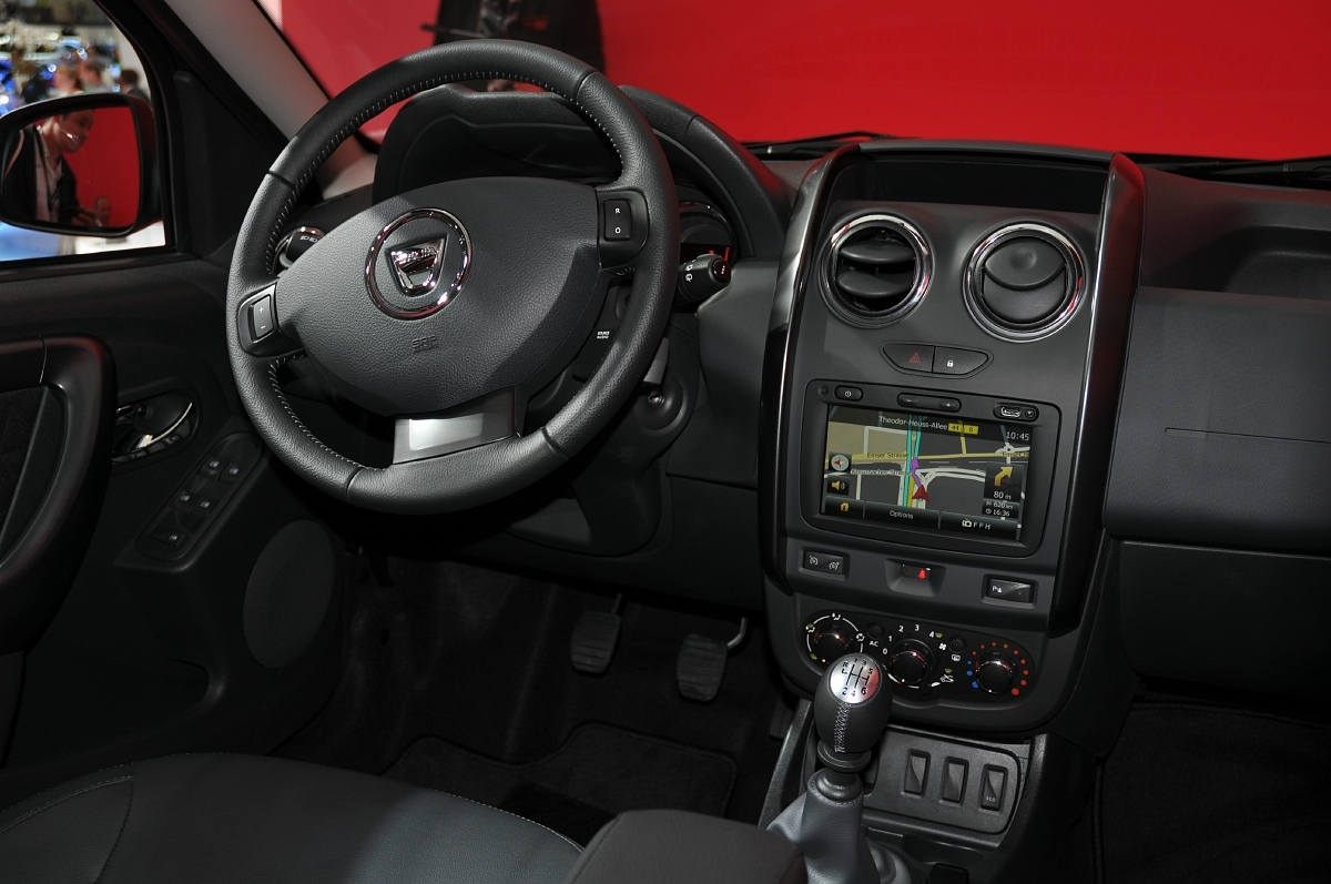 Dacia duster facelift iaa foto autofans for Dacia duster foto