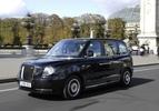 london taxi levc in parijs