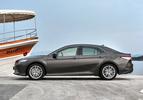 Toyota Camry rijtest review 2020 autofans
