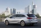 opel-astra-sports-tourer-2015
