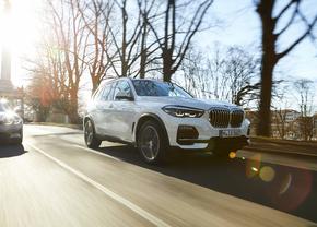 BMW X5 xDrive45e 2019 (official)