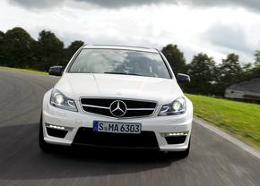 2012-Mercedes-Benz-C63-AMG-2