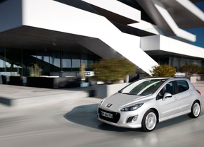 2011-Peugeot-308-facelift01