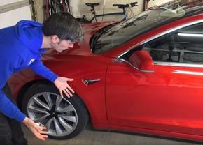 Tesla Model 3 rood