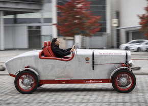 loryc-electric-speedster_01
