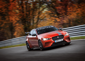 jaguar_svo_xe_sv_project8_19my_nurburgring_record
