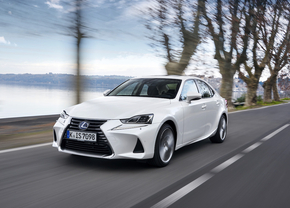 2017-lexus-is-300h-dynamic-14-2