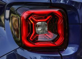 jeep-renegade-facelift-teaser-2018_01