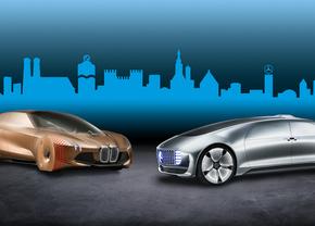 BMW Mercedes zelfrijdend