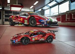 Lego Technic Ferrari 488 GTE AF Corse 51