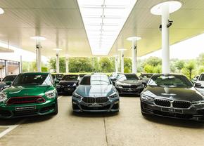 BMW doneert voor 1,15 mln euro aan auto's aan Belgische scholen