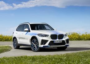 BMW iX5 Hydrogen 2021