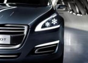 Peugeot luxesubmerk