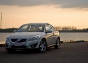 Bijna 30.000 Volvo's terug naar de dealer