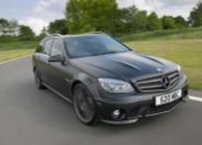 Extra poeier: Mercedes C63 AMG DR520
