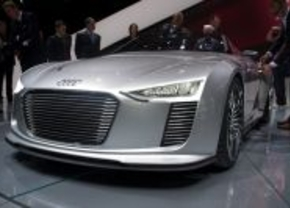 Audi e-tron spyder 2010 parijs