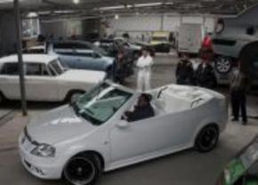 Het dak eraf: Auto K9 Dacia Logan cabriolet