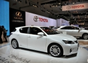 Eerste Clean Car of the Year: Lexus CT200h en Mitsubishi iMiEV winnen