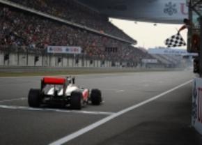 Formule 1: Lewis Hamilton wint voor het eerst
