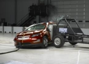 Chevrolet Volt en Nissan Leaf doorstaan crashtest