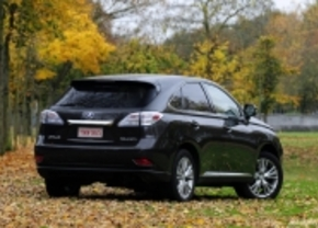 Lexus overweegt compacte crossover