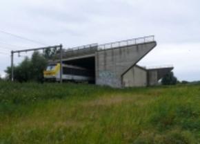 Eerste spookbrug in Varsenare afbgebroken