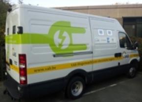 VAB neemt eerste interventievoertuig voor elektrische wagens in gebruik