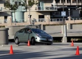 nevada keurt zelfrijdende auto's goed op publieke wegen