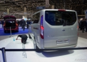 Live in Genève 2012 Ford Tourneo Custom Concept
