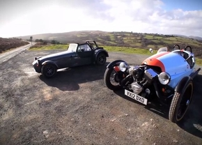 Caterham vs Morgan