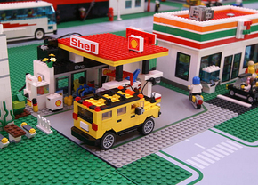 lego-shell-gas-station