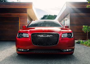 2015-chrysler-300s_02