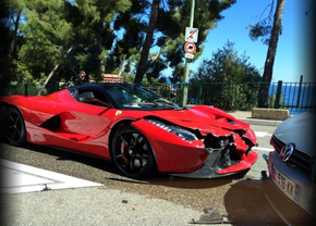 laferrari-crash