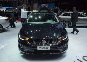 live-in-geneve-2016-fiat-tipo-hatchback-autofans-foto-1003