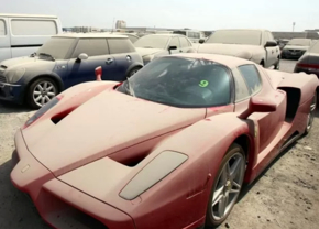 Het aantal verlaten supercars in Dubai is een serieus probleem