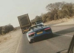 wcf-2017-audi-r8-spyder-spied-without-camouflage-2017-audi-r8-spyder-spy-photo