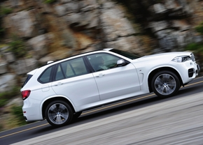 BMW-X5-M50d-2013