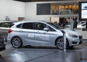 bmw-225e-plug-in-hybrid-autosalon-brussel-2016_5_van_7