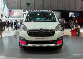 citroen-berlingo-mountain-vibe-concept-geneve-2015-103