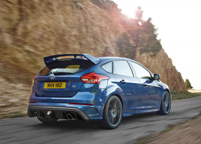 ford-focus-rs-2015_01