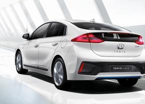 hyundai-ioniq-a-leap-forward-for-hybrid-vehicles_3