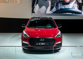 hyundai-i30-turbo-autosalon-brussel-2015-foto-101