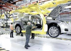 jaguar-assembly-aluminium